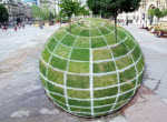 3D Illusion: Graskugel in Paris