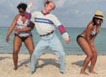 Keith Apicary tanzt in Musikvideo von Flo Rida